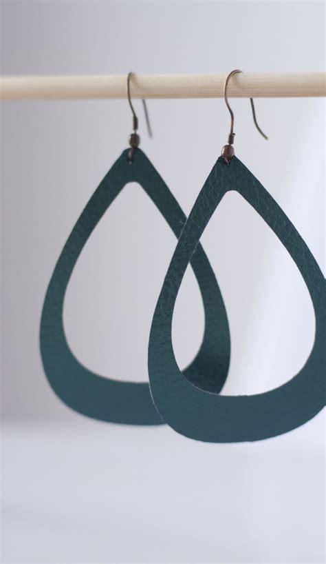 Faux Leather Earring diy faux leather earrings berry designs