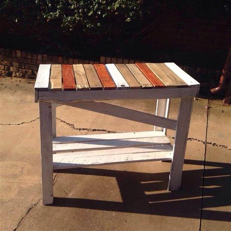 fun colored pallet hallway table easy pallet ideas