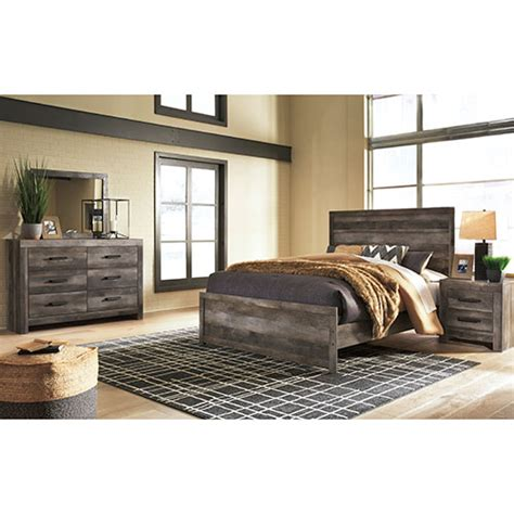 rent signature design  ashley wynnlow  piece queen bedroom set