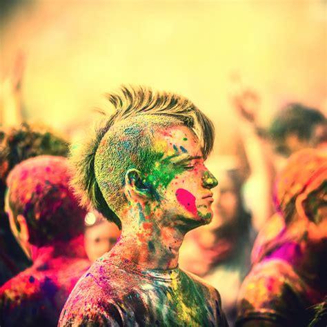 color festival fork holi colossal