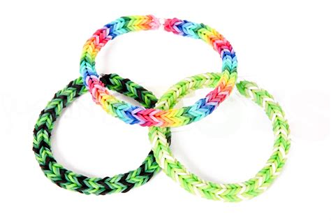 How to Make a Three Pin Fishtail Rainbow Loom Bracelet   YouTube