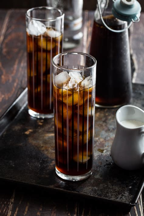 iced coffee cocktail {cocktail fridays}   Jelly Toast