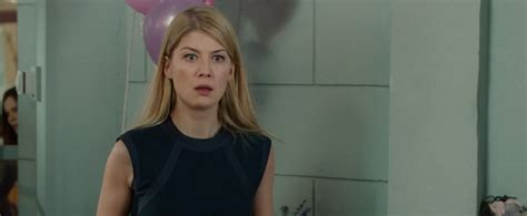 lovely rosamund pike blu ray captures 054 lovely rosamund pike photo gallery