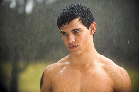taylor lautner workout photo shared what we talk about when we talk about twilight october 2011