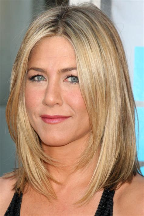medium haircuts with straight hair and front cowlick 10 celeb inspired medium haircuts that work for straight