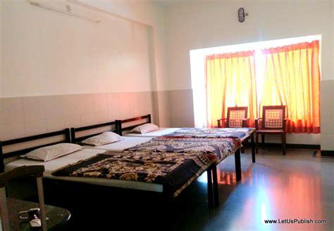 book a room in shirdi shree dwarawati bhaktiniwas shirdi review and tips to get darshan let us publish