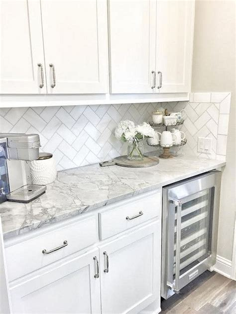 white kitchen backsplash tile ideas best 25 subway tile backsplash ideas only on