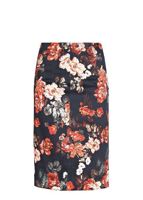 mango floral print pencil skirt in black lyst