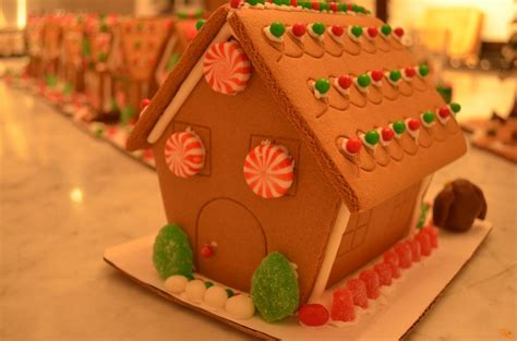 Home Decorating Courses holiday parties for children decorating gingerbread houses