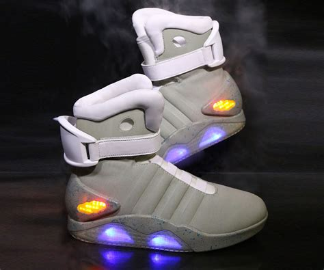 Nike Light Shoes by Back To The Future Ii Light Up Shoes Dudeiwantthat