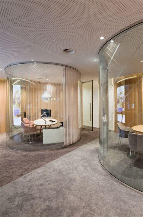 circular room rabobank retail banking center by storage the hague netherlands 187 retail design