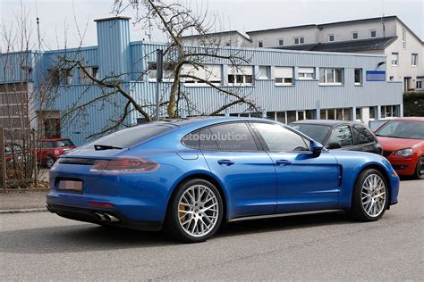 porsche new 2017 porsche panamera looks great in blue autoevolution