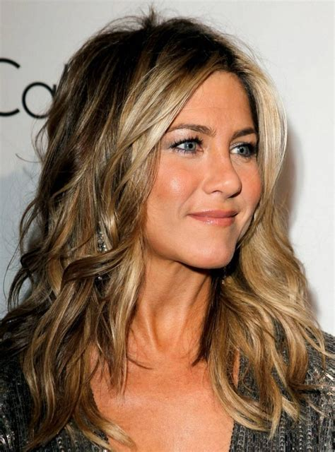 jennifer aniston hairstyles and colors jennifer aniston hairstyles trendy hair color popular