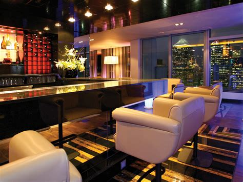 top bars in canary wharf the attic at pan peninsula canary wharf london bar reviews designmynight