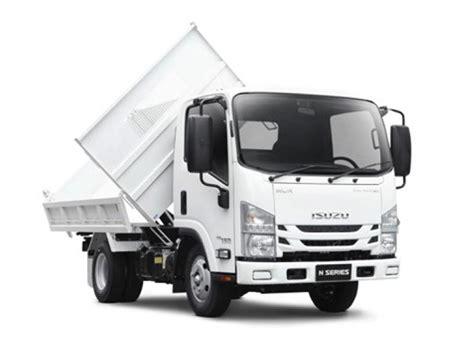 isuzu nlr   tri tipper trucks  sale
