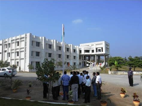 Kingston Mba Fees by Annai Mira College Of Engineering And Technology Vellore