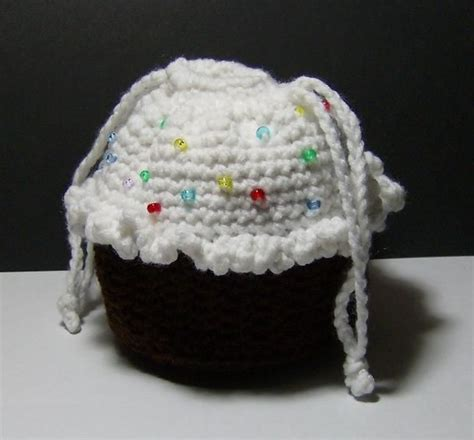 crochet pattern cupcake purse crocheted chocolate cupcake purse with sprinkles i may