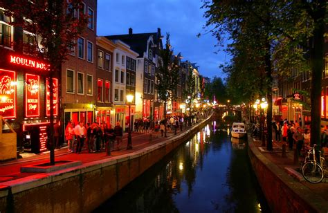 netherlands light district amsterdam tourist info travel guide amsterdam history of