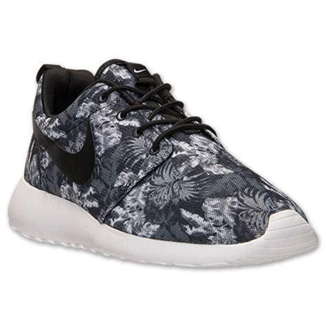 Sale Nike Roshe Run Casual Running Black White Belilagi nike factory outlet store sale s nike roshe run print