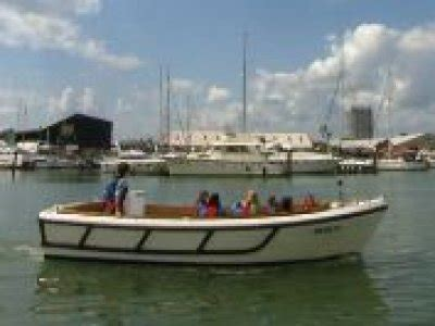 catamaran hire portsmouth boat trips in southton boat charters in southton