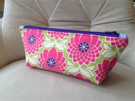 pattern for zippered pouch sewing project how to sew a zippered pouch