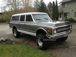 lifted 1970 chevy suburban truck 4x4 350 at 67 68