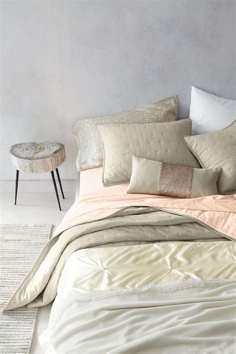 Eileen Fisher Comforter by 17 Best Images About Linens Blankets And Throws On