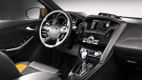 interni focus ford focus listino prezzi 2018 consumi e dimensioni