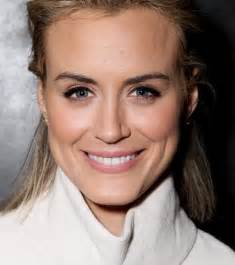 taylor schilling guests on the tonight show starring jimmy