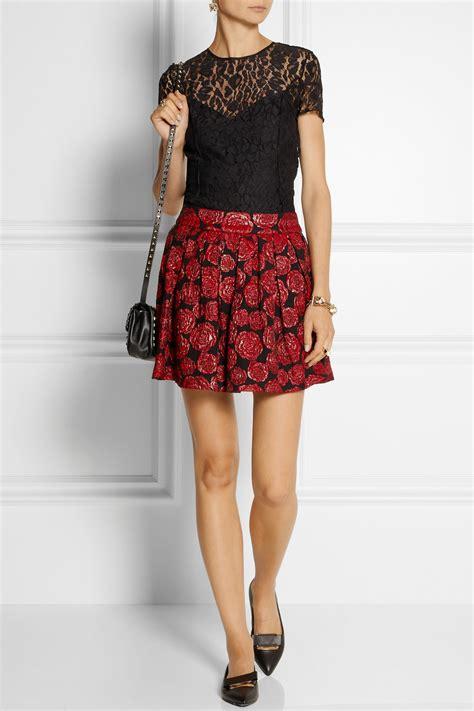 flower patterned mini skirt alice olivia fizer floral jacquard mini skirt in red lyst