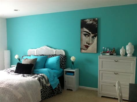 blue girls bedroom tiffany blue girls room love the audrey hepburn minus the