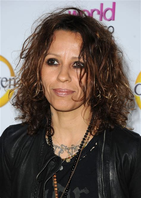 youtube linda perry knock me out linda perry net worth biography age weight height