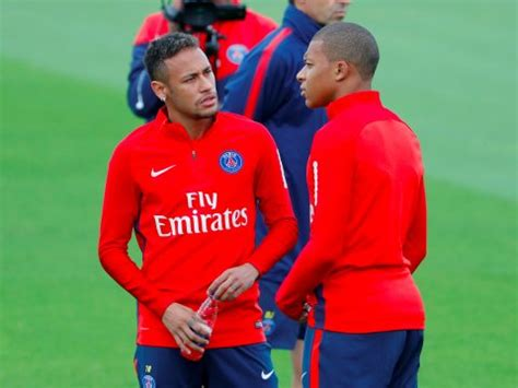 kylian mbappe and neymar psg duo neymar and kylian mbapp 233 train together for the