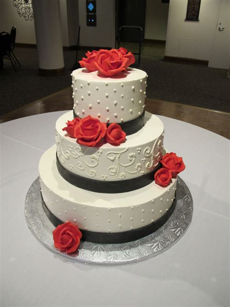 Simple But 3 Tier Wedding Cake For And Whipt Wedding Cake 3 Tier Buttercream This Is A 3