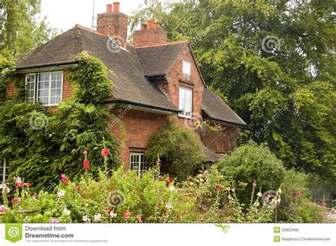 Cottage Berkshire by Lock Keeper S Cottage Sonning Berkshire Stock Photo