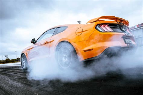 ford mustang  acceleration test