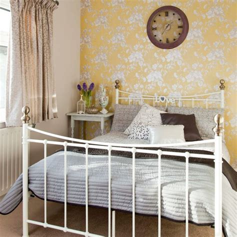 choose yellow wallpaper with floral motif bedroom