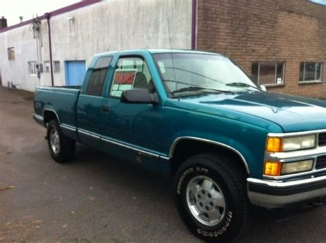 how do cars engines work 1995 chevrolet 1500 electronic valve timing find used 1995 chevy 1 2 ton 1500 4x4 strong 350 engine runs and drives well in toledo
