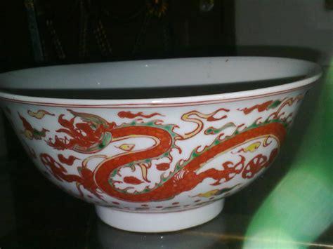 Barang Antik Mangkok jual mangkok keramik antik bergambar naga emas harga murah