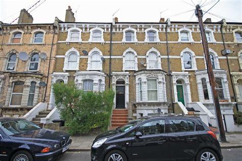 2 bedroom house to buy in london 2 bedroom terraced house for sale in ferndale road sw4 london