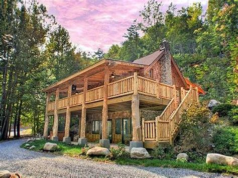 Cabins For Rent Gatlinburg Tn by Smoky Mountains Lodging Guide Parkside Cabin Rentals In