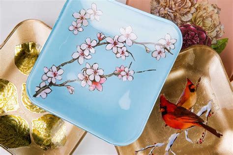 Make Your Own Decoupage Paper - decoupage plates is an easy project