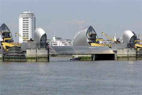 thames barrier cost to build new new amsterdam should new york do like the dutch and
