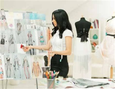 fashion designer job description how to become a fashion