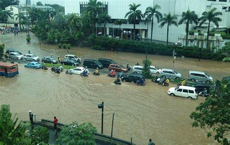 detiknews banjir hari ini koleksi gambar banjir di jakarta indonesia terbaru hari