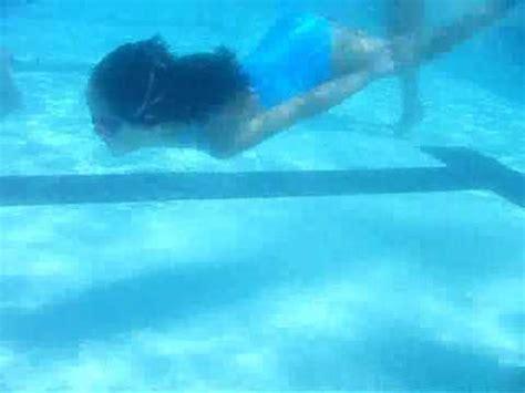 imagenes mujeres nadando nadando debajo del agua youtube