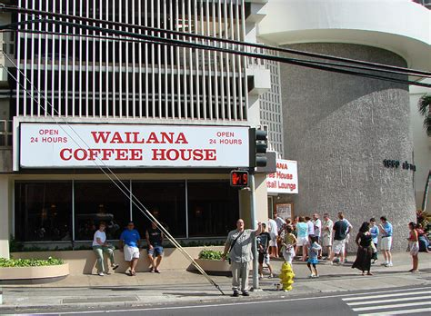 Waikiki Eats Wailana Coffee House Tasty Island