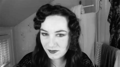 easy crimp 1920s hairstyles simple flapper hairstyle for long hair faux marcel waves
