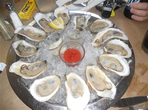 henlopen oyster house delicious oysters nice and cold picture of henlopen city oyster house rehoboth