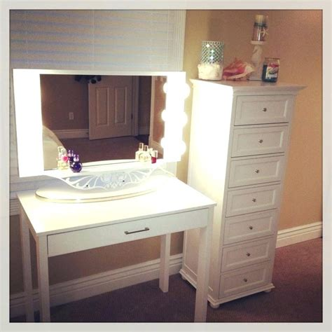 What Is A Bedroom Vanity by What Is The Best Vanities For Bedroom With Lights